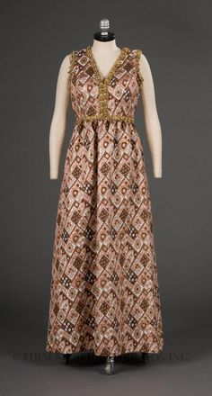 1970 maxi dress....,ok, can I just say that the 70's were the worst for fashion
