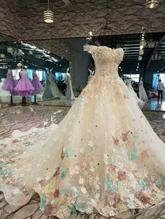 Pin by Lilith Henkel on Abendkleider in 2019 Pretty Quinceanera Dresses, Cute Prom Dresses, Dream Wedding Dresses, 15 Dresses, Ball Dresses, Pretty Dresses, Bridal Dresses, Wedding Gowns, Ball Gowns