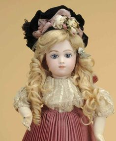 antique doll auctions   ... ' lifetime collections headline Morphy's Oct. 10-11 Fine Doll Auction