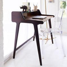 Precioso escritorio junto con silla famosa! Menuda combinación. ¡Espero que os guste!