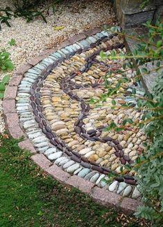 garden decoration art with stones 2
