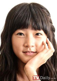 kim+sae+ron+bangs   500px-Kim_Sae_Ron10.jpg