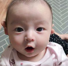 The Baby Project 2 : Woonie Bear (Taegi) Twin Baby Boys, Cute Baby Boy, Twin Babies, Mom And Baby, Baby Girl Newborn, Baby Kids, Cute Asian Babies, Cute Twins, Korean Babies