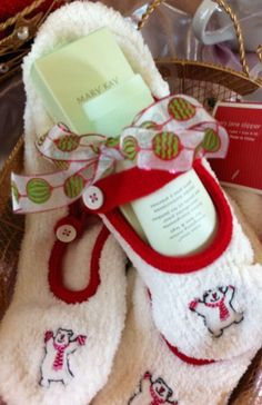 Amy Corvino, Senior Beauty Consultant for Mary Kay Inc. Mary Kay has so much to offer-SKIN. Homemade Christmas Gifts, Homemade Gifts, Craft Gifts, Holiday Gifts, Christmas Crafts, Homemade Gift Baskets, Handmade Christmas, Holiday Decor, Christmas Ideas