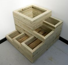 DIY & Home Project. If you want to grow some plants or vegetables in your yard, first you are going to need some good planter boxes. DIY planter box designs, plans, ideas for vegetables and flowers Wooden Planter Boxes, Diy Planter Box, Diy Planters, Tiered Planter, Tiered Garden, Outdoor Projects, Garden Projects, Wood Projects, Jardiniere Design