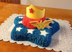 Wonder Woman Birthday Cake! Wonder Woman Birthday Cake, Wonder Woman Cake, Wonder Woman Party, Birthday Cake Girls, 65 Birthday, Girl Superhero Party, Superhero Cake, Cupcakes, Cupcake Cakes
