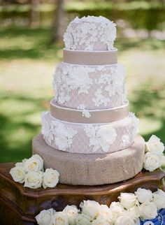 Rustic country lace and burlap wedding cake / http://www.deerpearlflowers.com/rustic-country-burlap-wedding-cakes/