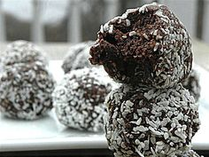 Lovely kokos-chocoballetjes