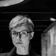 Pixie Cut Models Short Pixie Models Mens Haare Glass - May 04 2019 at Cool Short Hairstyles, Short Pixie Haircuts, Cool Haircuts, Hairstyles Haircuts, Short Hair Cuts, Short Hair Styles, Pixie Cuts, Pixie Bob, Glasses Hairstyles