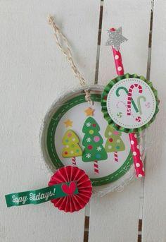 MASON JAR LID CHRISTMAS DECOR - Scrapbook.com #doodlebugdesign #christmasdecor