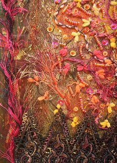 Textile art by shelia Art Du Fil, Creative Textiles, Textile Fiber Art, Fabric Manipulation, Embroidery Art, Fabric Art, Medium Art, Mixed Media Art, Textile Design