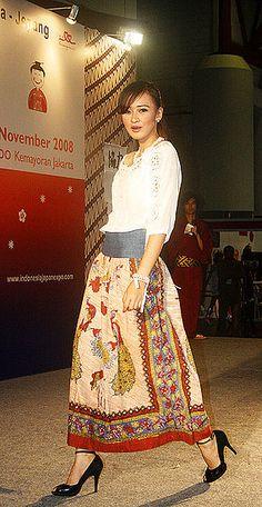 File:Batik Fashion 01.jpg