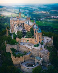 Schwerin Castle, Germany – Travel World Beautiful Castles, Beautiful World, Oh The Places You'll Go, Cool Places To Visit, Germany Castles, Scotland Castles, Heart Of Europe, Castle House, Beautiful Places To Travel