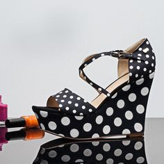 Brands4Friends: Extravagante Schuhe von Love Moschino @brands4friends! Moschino, Wedges, Heels, Clothing, Fashion, Fashion Shoes, Branding, Heel, Outfits