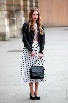 Polkadot calf skirt with red belt~ ♥