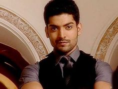 Gurmeet Choudhary has a lot 'actions' in 'Wajah Tum Ho'; if you know what we mean!