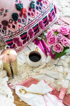 How To: Valentine's Day Inspired Dessert Party Galentine's Day - Coffee Beans and Bobby Pins