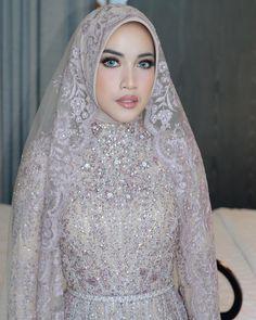 Hijab Wedding: Muslim bride – Best Of Likes Share Wedding Abaya, Hijabi Wedding, Wedding Hijab Styles, Kebaya Wedding, Muslimah Wedding Dress, Muslim Wedding Dresses, Muslim Brides, Muslim Dress, Bridal Dresses