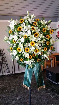 Table Decorations, Furniture, Home Decor, Flower Arrangement, Decoration Home, Room Decor, Home Furnishings, Home Interior Design, Dinner Table Decorations