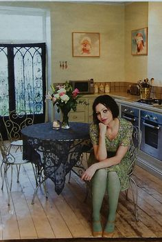 If you want to give your apt. or modern kitchen a little romantic vibe, here's some inspiration from designer Pearl Lowe (a new fave of mine! Shabby Chic Decor, Boho Decor, Pearl Lowe, Magical Home, Bohemian Kitchen, Granny Chic, Bohemian Interior, Interior Inspiration, Style Inspiration