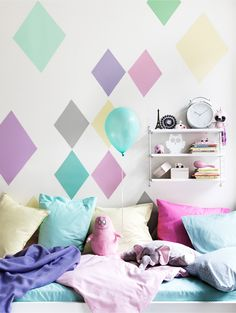 Create an Accent Wall — What To Do This Weekend. Fun accent wall for a small space, bathroom maybe? Interior Pastel, Wall Decor, Room Decor, Wall Art, Little Girl Rooms, Kid Spaces, Kids Decor, Decor Ideas, My Room