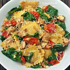 From @fithealthyrecipes - *Balsamic Garlic 4-Cheese Ravioli* By @TheGourmetPeasant 1 (9-oz) package of 4-cheese ravioli 1½ tablespoons olive oil 3 tablespoons minced garlic 1 cup cherry tomatoes, halved 2 + 2 tablespoons chicken broth, divided 1½ cups chopped pre-cooked chicken 1 tablespoon balsamic vinegar 1 packed cup baby spinach leaves, coarsely chopped Grated Parmesan cheese for garnish Fill a large pot with water and bring to a boil. Add ravioli and cook according to directions…