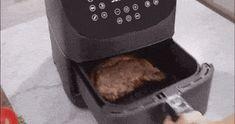 Superhandige tips voor AirFryer: baktijden en recepten Carbonara Recept, Ham And Eggs, Keurig, Mini Quiches, Ann, Recipes, Food, Desserts, Tailgate Desserts