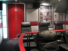 Star Trek inspired Home Theatre on a nifty budget United Federation Of Planets, Elephant Walk, Home Theater, Theatre, Star Trek Universe, Colorado Homes, Photo Look, Inspired Homes, Man Cave
