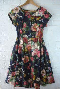 SALE Vintage Floral Dress 80s Navy Blue by KingArtsAndVintage