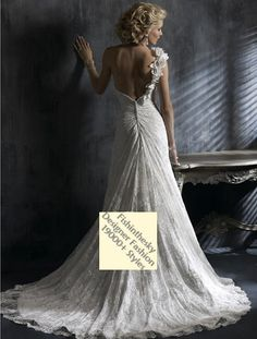 2011 Style A-line Sweetheart Chapel Train Sleeveless Lace Wedding Dress For Brides