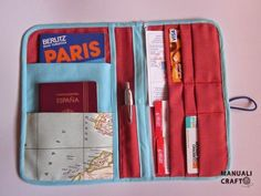 Travel document holder - tutorial in Spanish Easy Sewing Projects, Sewing Projects For Beginners, Costura Diy, Diy Wallet, Wallet Pattern, Quilting For Beginners, Fabric Storage, Patch, Diy And Crafts