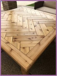 Simple Wood Furniture Projects - Standards For Fast Advice Of DIY Woodworking - Mental Man Cave Wood Crafts Furniture, Rustic Outdoor Furniture, Wooden Pallet Furniture, Wooden Pallets, Wooden Diy, Furniture Projects, Antique Furniture, Modern Furniture, Furniture Stores