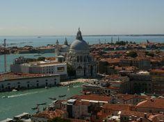 Walking Venice http://thingstodo.viator.com/venice/walking-venice/