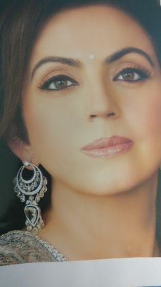 Real Diamond Earrings, Diamond Earing, Rose Cut Diamond, Stone Earrings, Diamond Jewelry, Nita Ambani, Emerald Necklace, Art Deco Jewelry, Fashion Jewelry