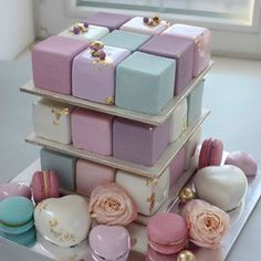 Pink and blue cube cake Pretty Cakes, Cute Cakes, Beautiful Cakes, Yummy Cakes, Amazing Cakes, Fancy Cakes, Mini Cakes, Grolet, Cakepops
