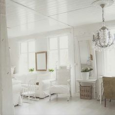 Shabby and Charming: An ancient villa in Norway