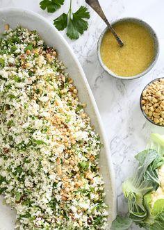 Blomkålscouscous - opskrift på couscous inspireret salat med blomkål Mango Salat, Avocado Salat, Easy Salad Recipes, Easy Salads, Edamame, Crab Stuffed Avocado, Power Salat, Light Summer Dinners, Cottage Cheese Salad