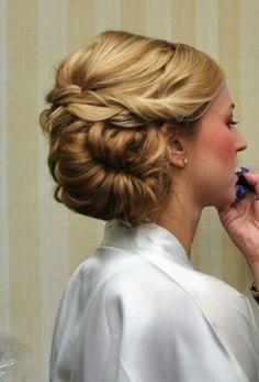 Bridal hair by Kira Sanders