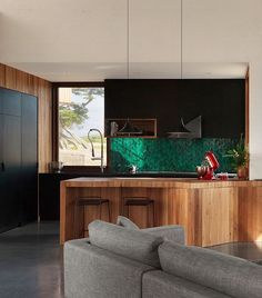 13th Beach House by Auhaus Architecture