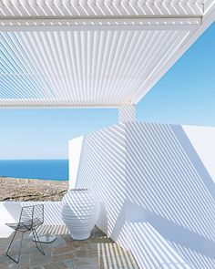 http://decordemon.blogspot.co.at/2016/08/a-summer-house-on-folegandros-island.html