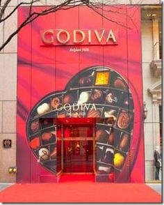 Godiva Chocolates  5th Avenue,  Manhattan, NY