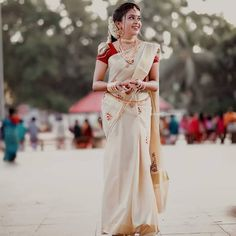 Exclusive Saree Blouse designs for every South Indian Bride! South Indian Blouse Designs, Kerala Saree Blouse Designs, Bridal Blouse Designs, Kerala Bride, Hindu Bride, South Indian Bride, Set Saree Kerala, Wedding Saree Collection, Indian Bridal Fashion