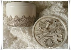 Create your own vintage-style sewing box by adding a few notions to the lid of an old tin. The tutorial is in Spanish but the photos are fairly self-explanatory.