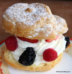#DisneyWorld Deliciousness -- Cream Puff at Kringla Bakeri og Kafe in #Epcot's Norway!!