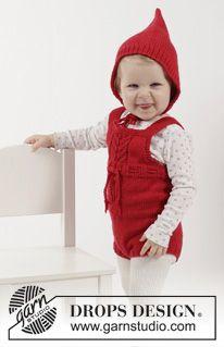 """Das Set umfasst: Gestrickter DROPS Spielanzug, Strümpfe und Haube in """"Cotton Merino"""". Größe 1 - 18 Monate. ~ DROPS Design"""