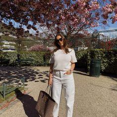 HÅRFRISYRE TIL 17. MAI PÅ FEM MINUTTER – Emilie Tømmerberg Bergen, Chic Outfits, Khaki Pants, Skinny Jeans, Feels, Style, Spring, Fashion, Summer