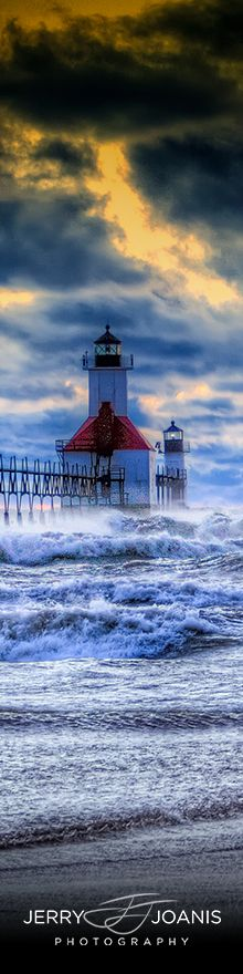 Rough Day on Lake Michigan ~ St. Lake Michigan, Michigan Usa, Great Lakes, Ciel, St Joseph, Places To See, Cool Photos, Beautiful Places, Scenery