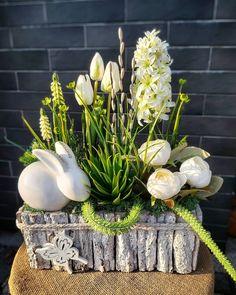 Happy Easter, Flower Arrangements, Flowers, Plants, Diy, Instagram, Miniatures, Gardens, Happy Easter Day
