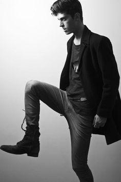 Ramiro del Río by Diego Roldán for Fashionisto Exclusive