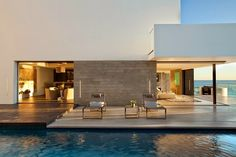 #beachhouse #rockledgeresidence #lagunabeach #california #usa #rocks #beach #design #interior #exterior #lovethisplace http://leemconcepts.blogspot.nl/2015/01/binnenkijken-in-rockledge-residence.html